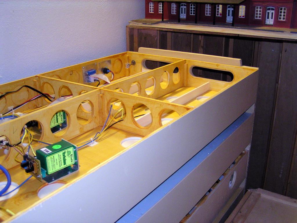 Die Module im Doppelträger liegen mit den Schienenseiten  zueinander