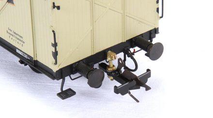 Montierter und unlackierter Schnellenkamp Kupplungsadapter