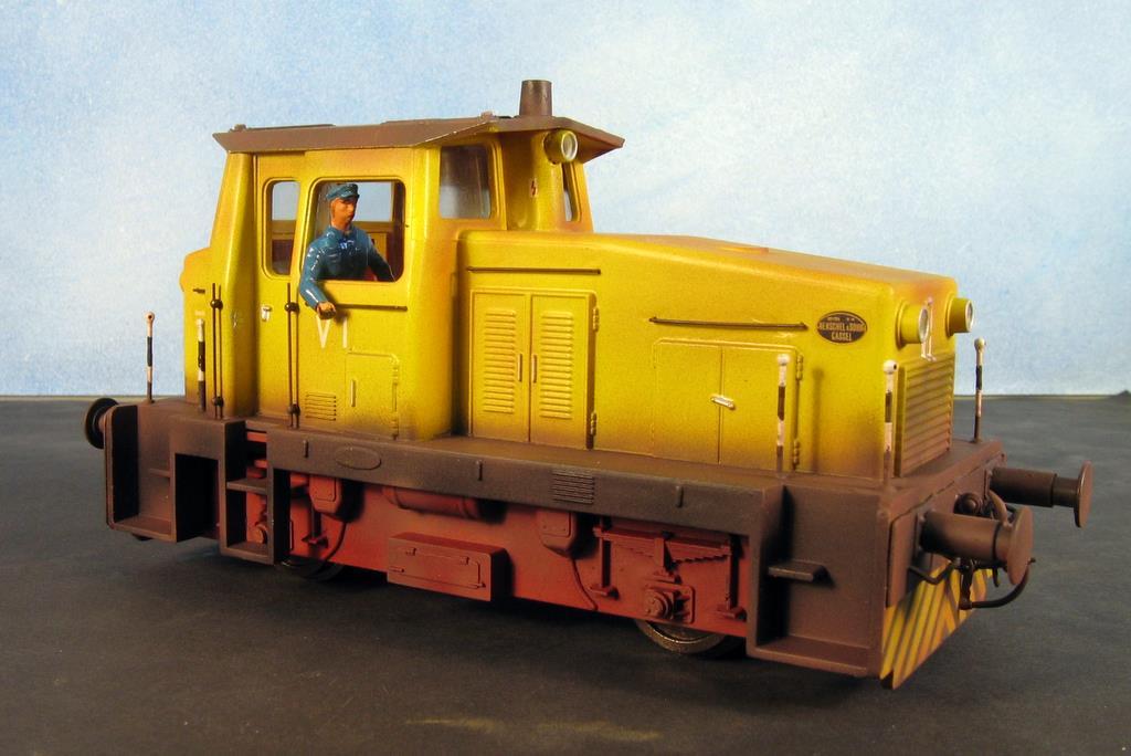 Die Rangierlok mit gelbem Finish
