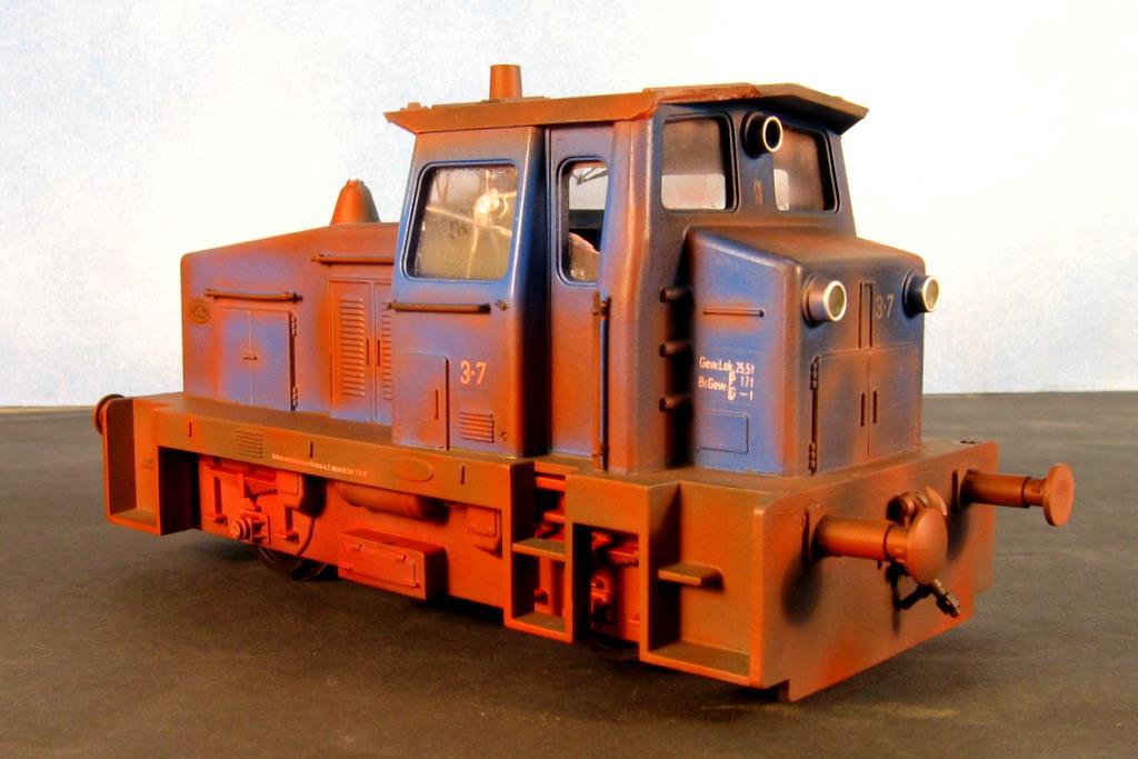 Die Variante als schrottreife Lok - zum Beispiel in einer dunklen Ecke des Industriegeländes.
