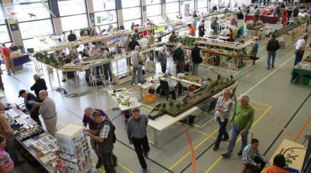 Mehrzweckhalle Stromberg mit Modularrangements und Kleinserienständen