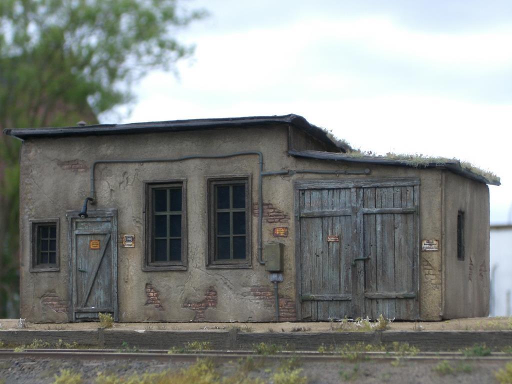 Betagtes Betriebsgebäude