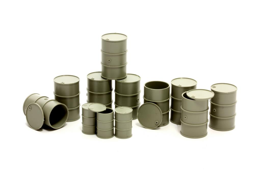 Set mit 12 Stahlfässern