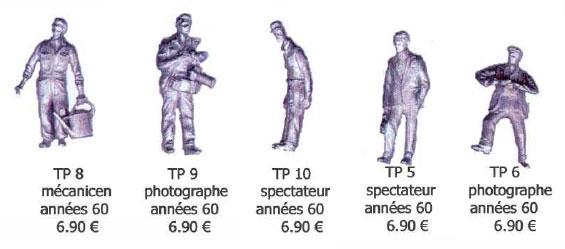 Zuschauer und Fotografen in Kleidung der 60er Jahre, passend auch für Szenen auf der Modellbahn.