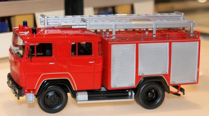 Magirus Deutz Feuerwehr Tanklöschfahrzeug TLF 16 - 25 von Neo Scale Models