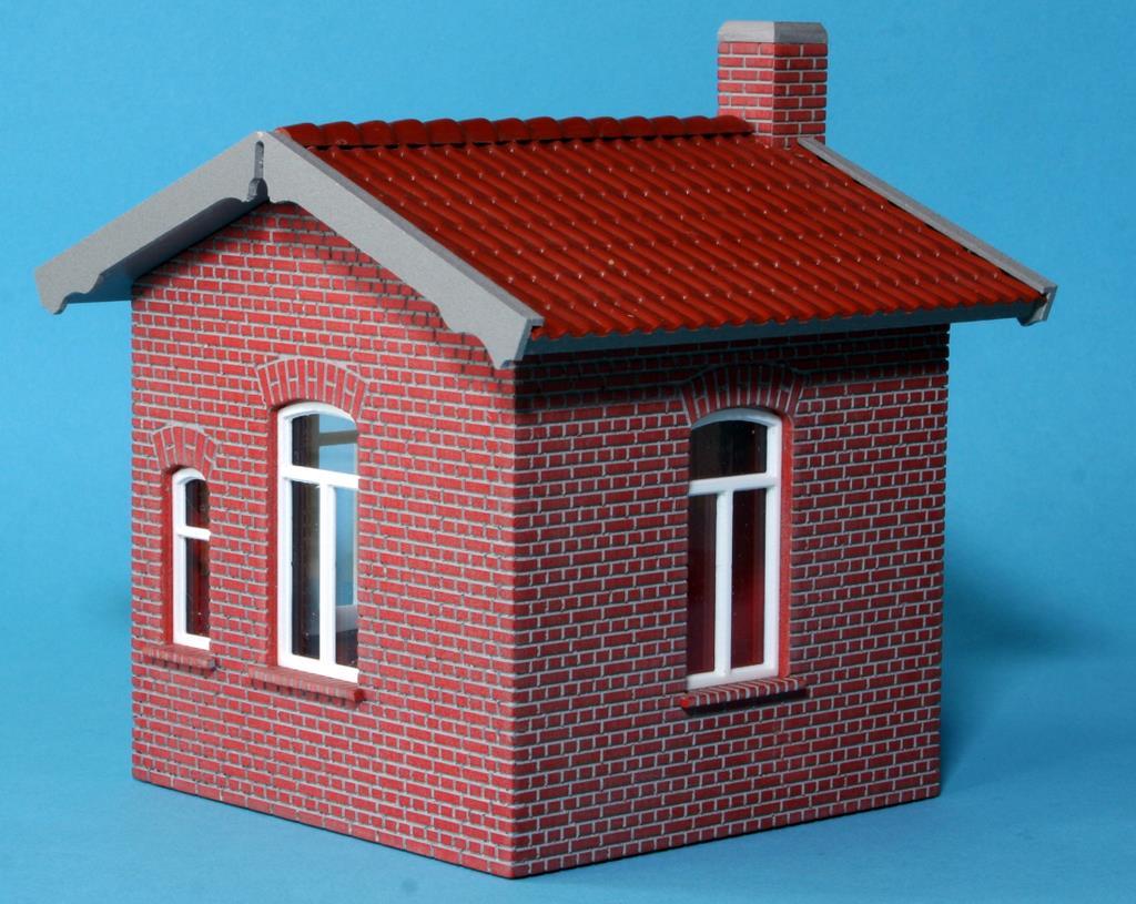 Bahnwärterhaus aus gefrästem Polystyrol