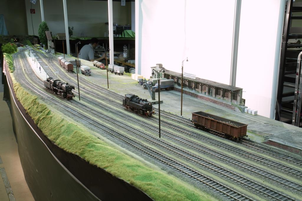 Das Spur0 Team Ruhr-Lenne überraschte mit einem großzügigen 10 Meter langen Bahnhof im Bogen, der in gerade mal drei Monaten entstanden ist.