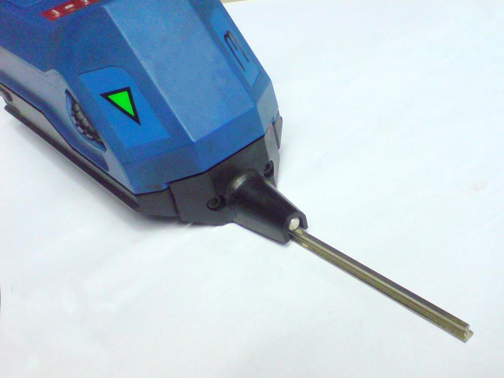 Das Rautiefemeßgerät mit einem Schienenprofil