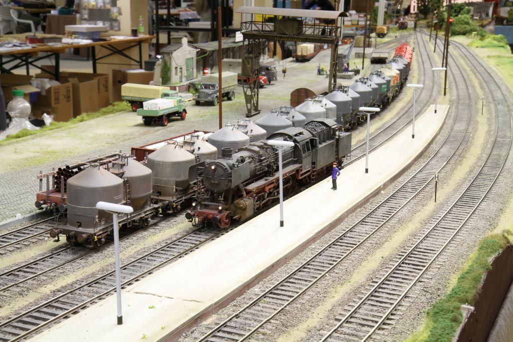 Anlage des des Spur0 Team Ruhr-Lenne auf der Ausstellung in Buseck