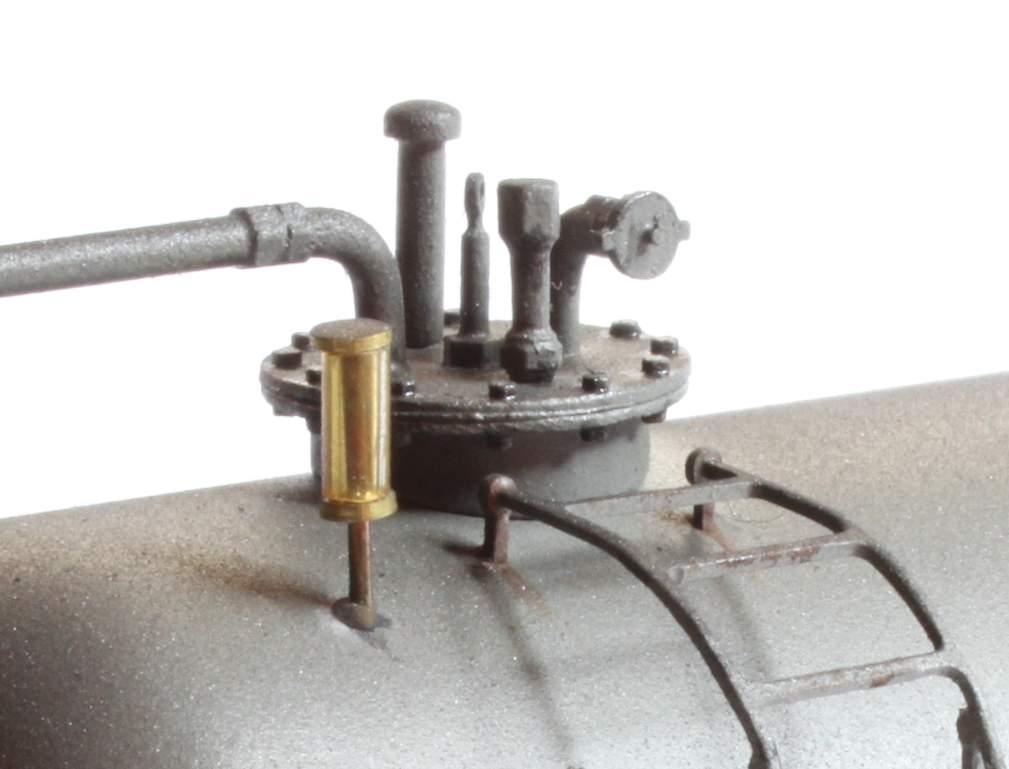 Detailbild der oberen Anschlüsse.