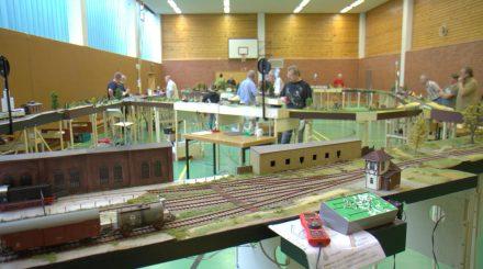 Die helle und geräumige Mehrzweckhalle in Kölln-Reisiek.