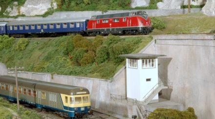 Platz für lange Züge auf der Anlage des Modelleisenbahnclub Neusäß.