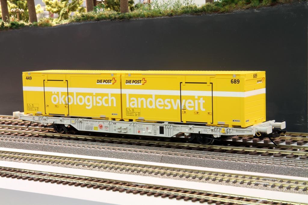 Creanorm Post-Containertragwagen der Schweizerpost AAE Lgnss