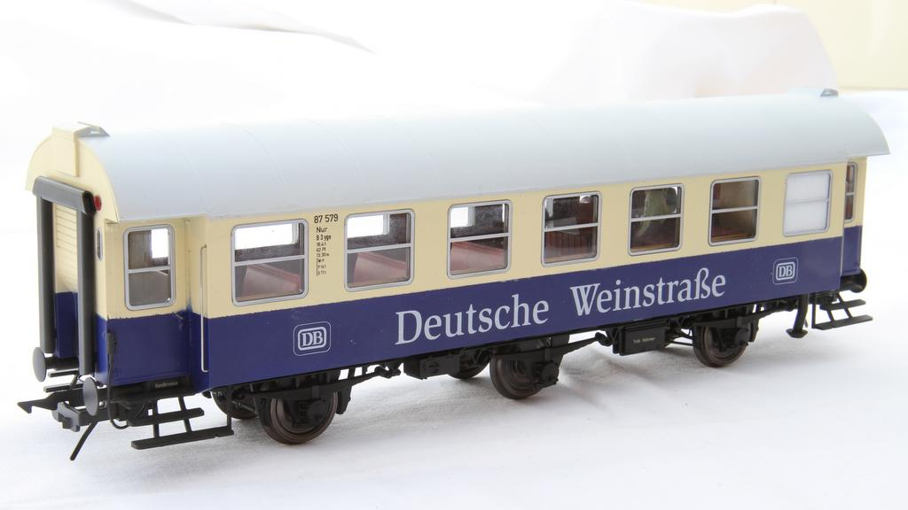 """Moog Umbau: 3gy Umbauwagen als Sonderzug: """"Deutsche Weinstraße"""""""