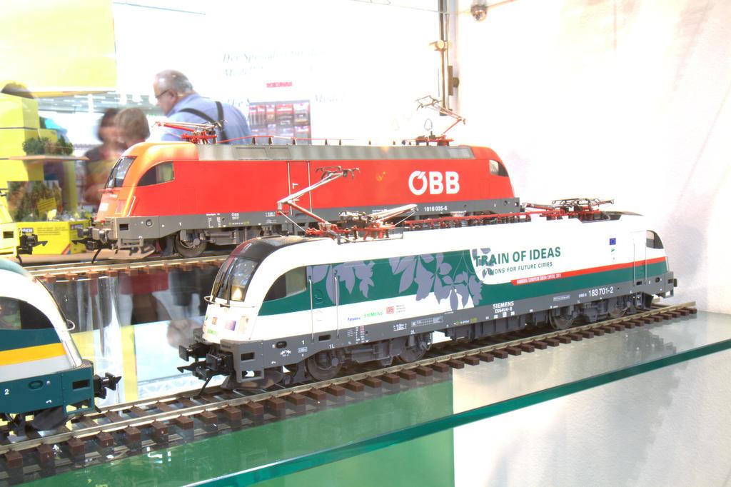 "Neuer Lack: M.T.H. Taurus:  ""Train of ideas"" der Siemens Transportation Systems"