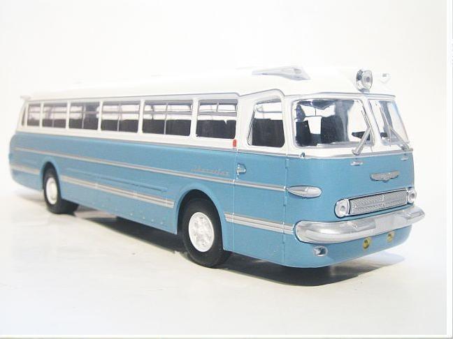 Den bekannten Ikarus 55 Reisebus gibt es in vielen Varianten.