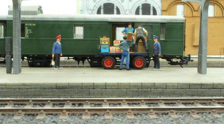 Güterumschlag schon während des Bahnsteigneubaues