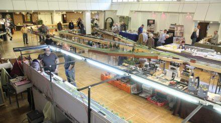 Eine Modulanlage, etliche Ausstellungsanlagen und Händlerstände in Uelzen