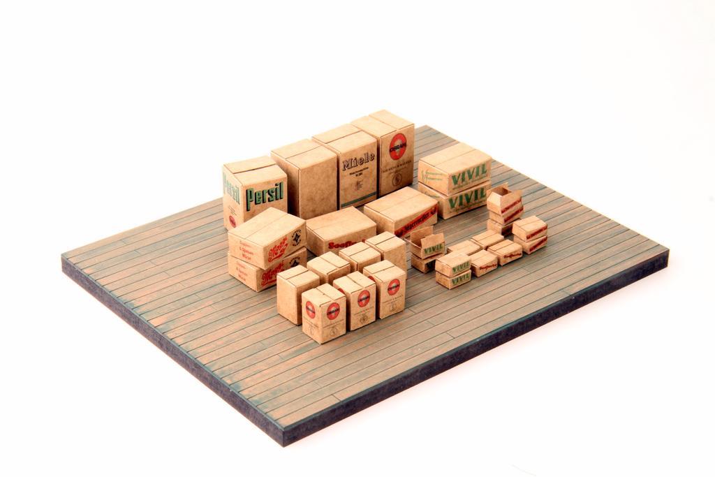 Lasergeschnittene Pappkartons von Real Modell im 30er Set