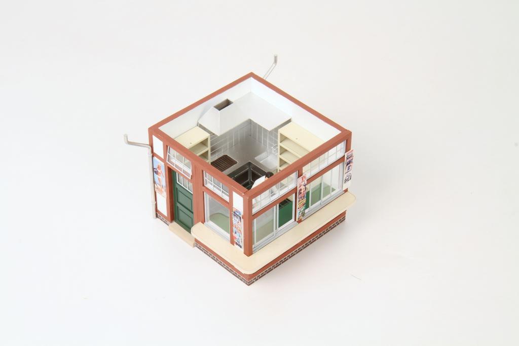 Real Modell Kiosk mit Inneneinrichtung