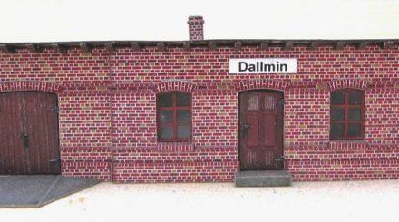 Stationsgebäude Dallmin aus Karton