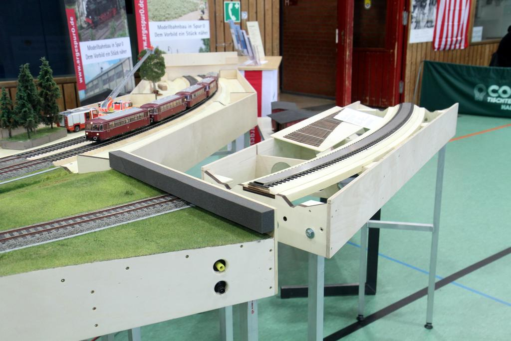 Die Bauweise der Modulanlage wurde gezeigt: Laserteile von Harald Brosch