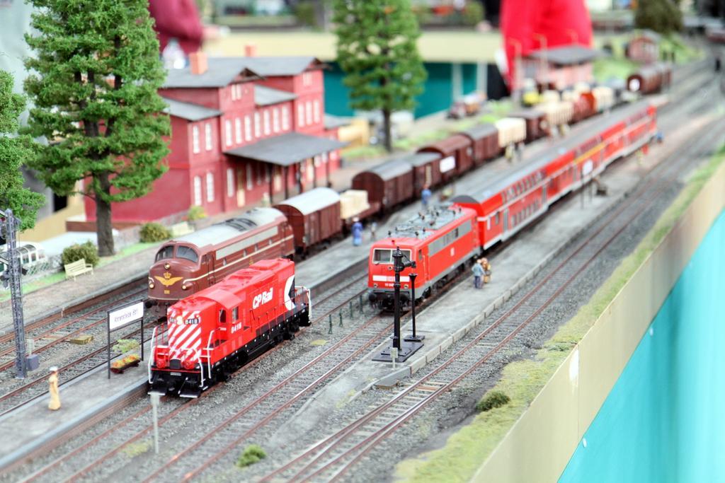 Transkontinentale Züge auf der Anlage der Modulgruppe Hamburg