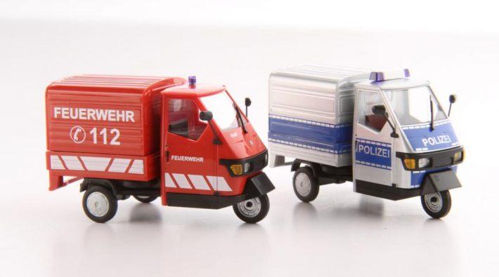 Busch Modellvarianten des Ape Dreirads in Polizei- und Feuerwehrausführung