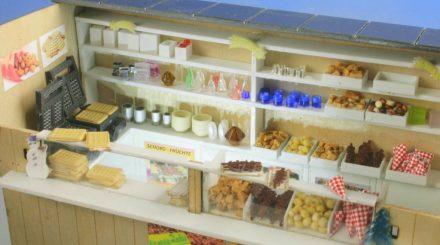 Ein Süßwarenstand passt nicht nur auf einen Weihnachtsmarkt