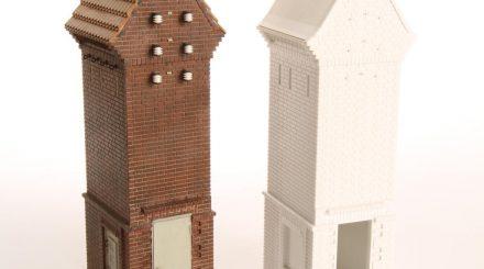 Trafohaus von Artdetail - roher und lackierter Bausatz