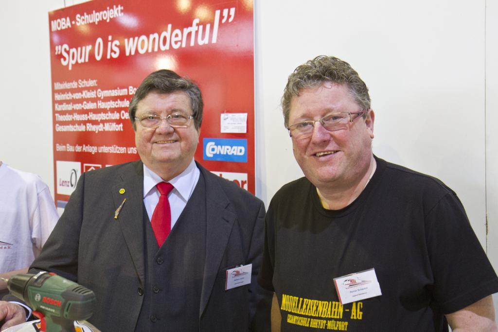 Helmut Liedtke (links) kümmert sich um die Projektkoordination, Reiner Schwalm um den Anlagenbau.
