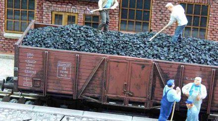 Staubfreie Kohlen als Ladegut von Juweela