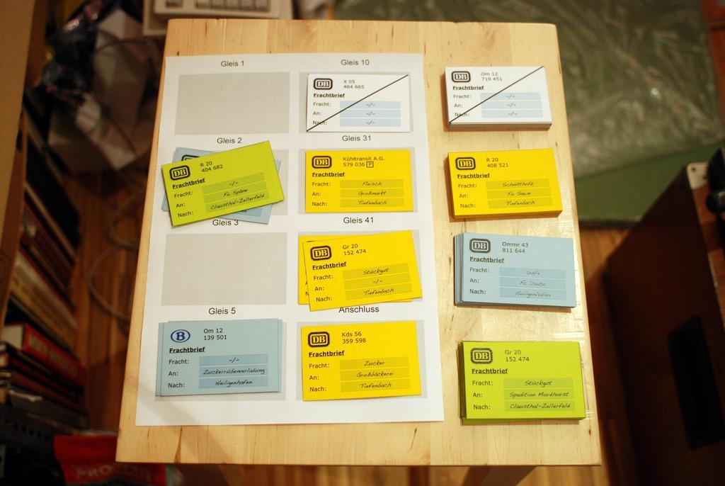 Frachtkarten aus Visitenkarten hergestellt