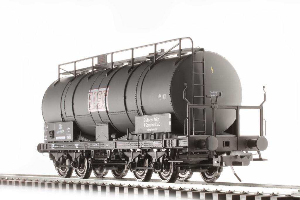 Großkesselwagen Bauart Krupp mit BASF Logo