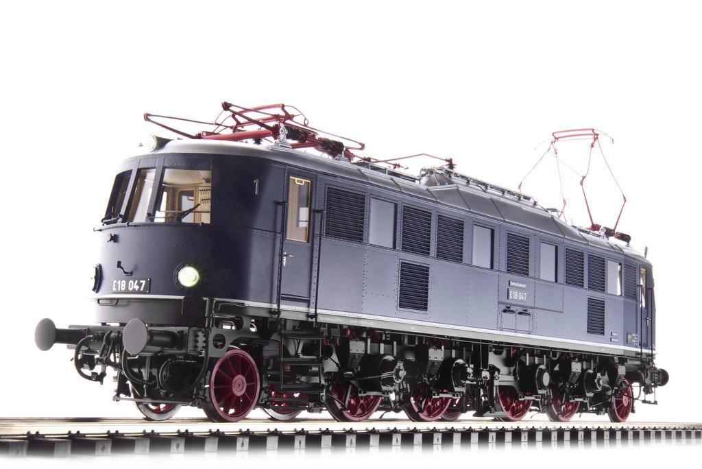 E18, Messingmodell von Kiss
