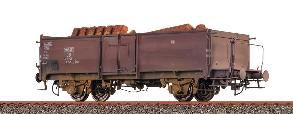 Patinierter offener Güterwagen Omm mit und ohne Ladung
