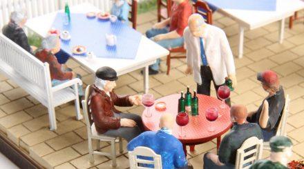 Gedeckter Tisch von Real Modell
