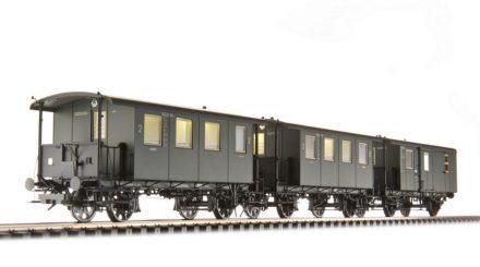 Zug aus bayerischen Lokalbahnwagen