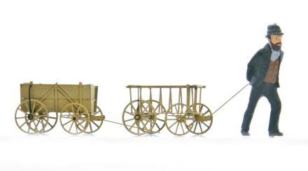 Addie Figur mit Bollerwagen