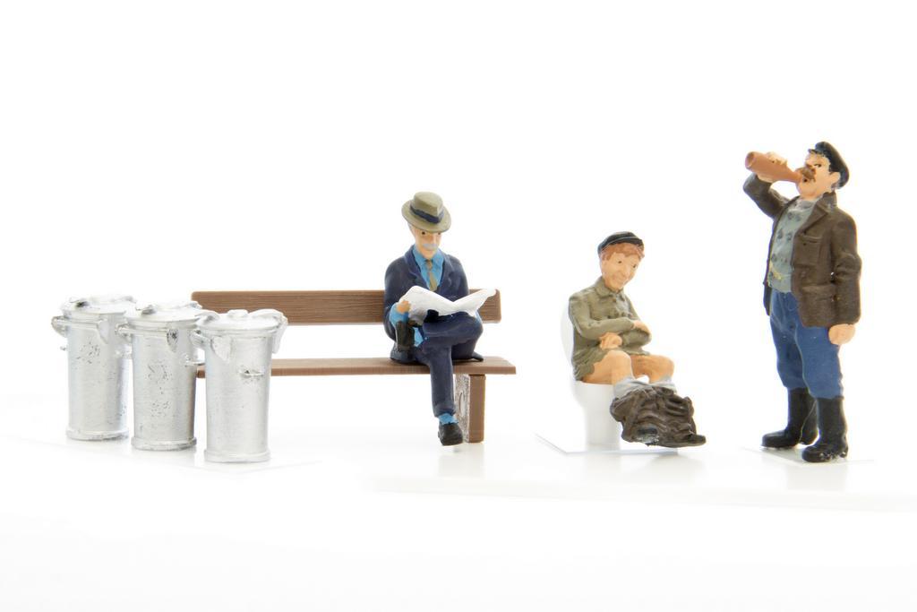 Addie Figuren und Mülltonnen