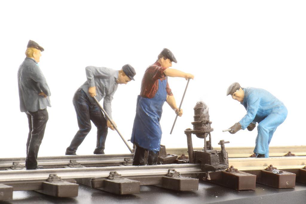 Hauser Gleisarbeiter beim Schienenschweißen