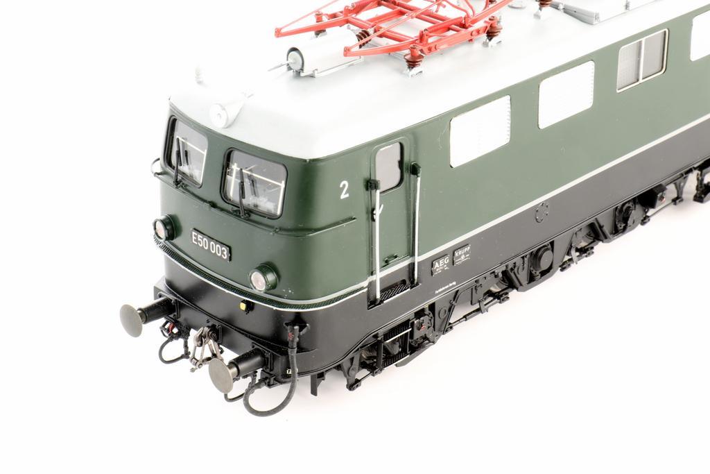 E50 mit Einfachlampen