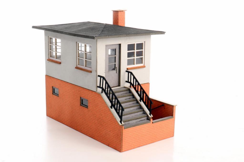 Moebo Posten 5 mit Treppenaufgang und Keller
