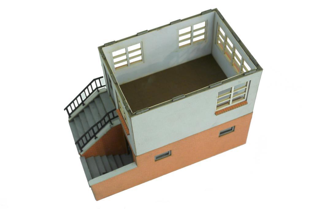 Postengebäude mit abnehmbarem Dach