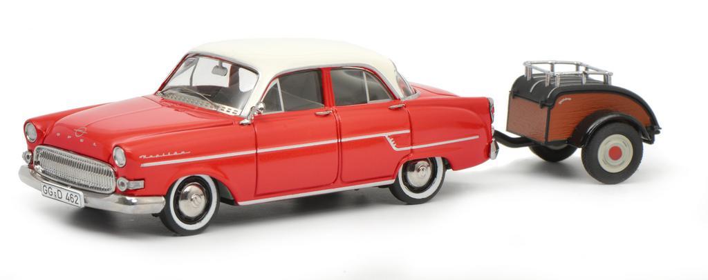 Opel Kapitän mit Westfalia Anhänger, rot weiß