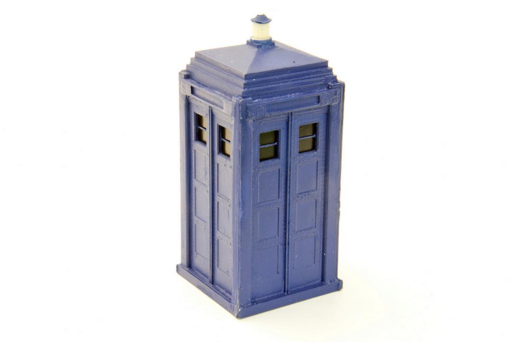 Peco Polizei-Telefonzelle (oder TARDIS von Dr. Who)