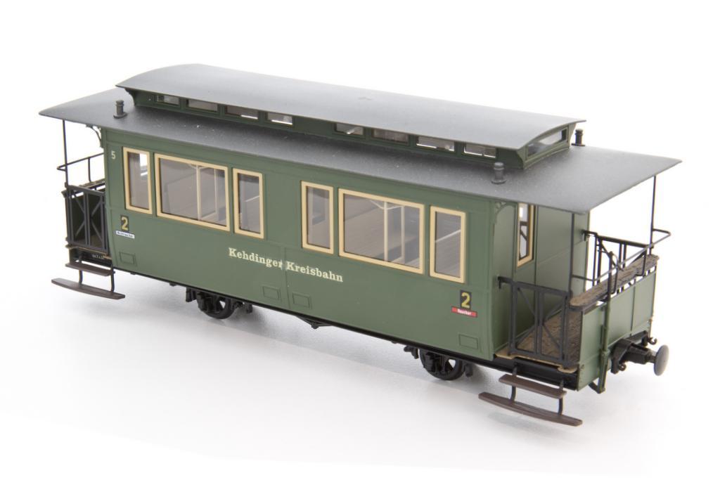 Weinert Schmalspur Personenwagen mit Magic Train Fahrwerk