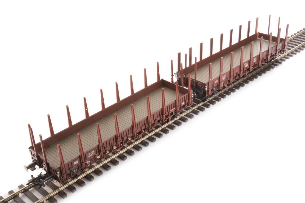 Rungenwagen mit Bordwänden und Rungen aus Holz und Stahl