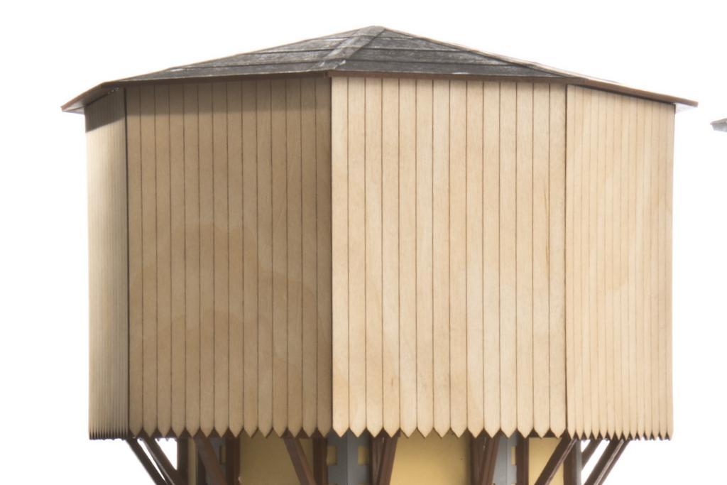 Zapf Wasserturm mit Holzverkleidung