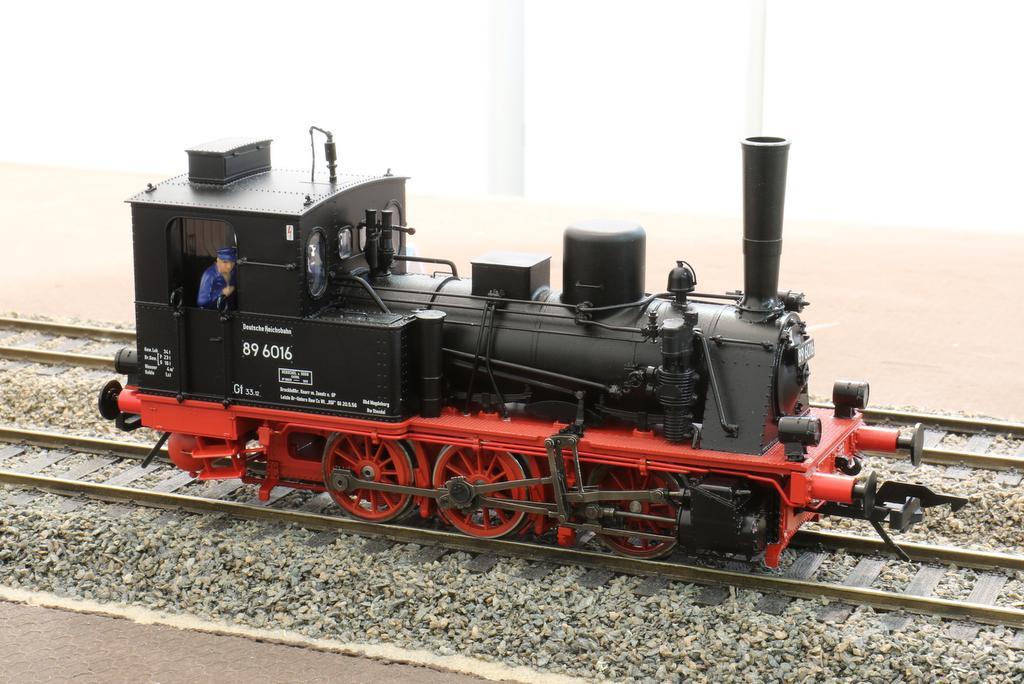 Lenz T3 in Aktion mit Sound und Rauchentwickler auf der IMA Köln